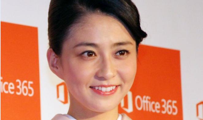 ガン闘病中の小林麻央さんがブログ更新!!「◯◯◯◯自分とお別れ」… 大きな波紋を呼んでいる