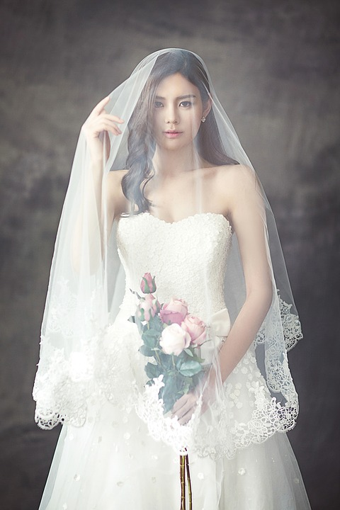 wedding-dresses-1486260_960_720