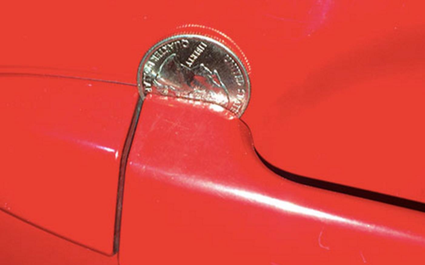 車のドアノブに10円玉が挟まっていたら。。。緊急事態の合図!?大流行中の驚きの手口を大公開