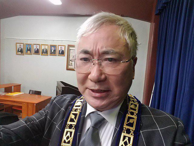 不審な動きが原因!?高須委員長のブラックカードが突如利用停止になった理由が衝撃的すぎる!