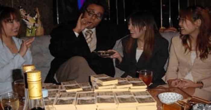【※嫉妬注意】宝くじ6億円当選者の日常生活がスゴすぎる・・・(※画像あり)