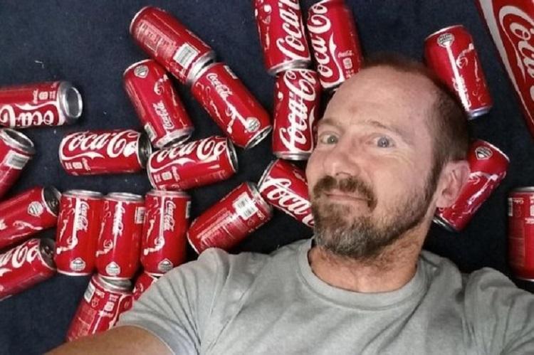 【実験】人間はコーラを1日10缶、30日間飲み続けるとどうなる?!
