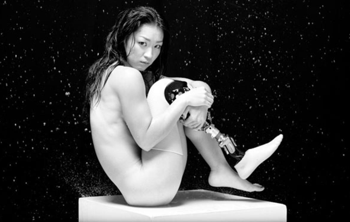 【彼女が義足に至った理由】セクシーカレンダーを発売した中西麻耶の恰好良すぎる生き方に胸を打つ!