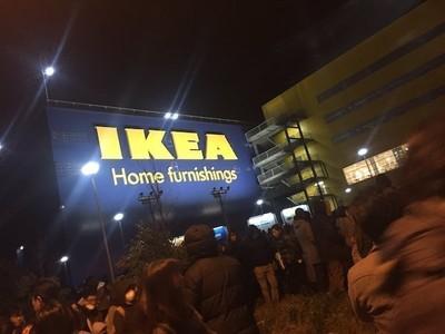 【感動】IKEA爆破予告で店員たちがとった行動が神!!IKEAの緊急対応マニュアルが涙出てくる…