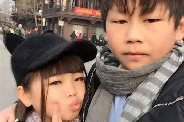10歳ぐらいに見える子ども同士のカップルが結婚!世界中を驚かせた二人の秘密とは?