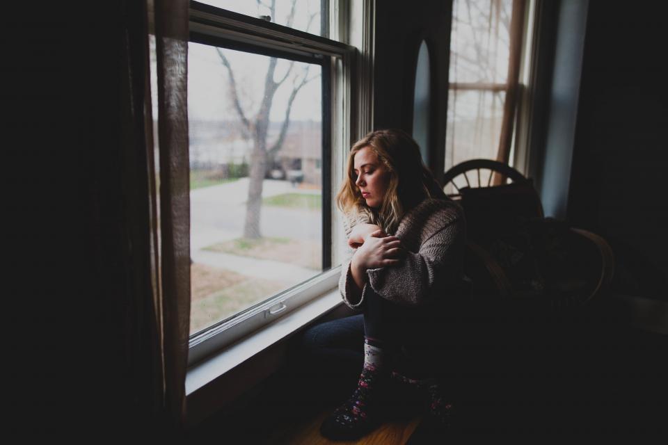 【禁止】宅配便が来た時、軽い気持ちで居留守をしたら…完全に後悔する結果となった…