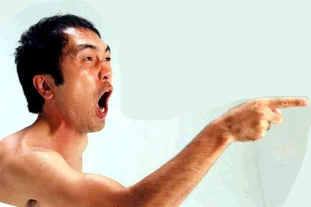 【感動秘話】災害時に安否確認するサングラスの男・正体は江頭2:50だった・・・衝撃の感動エピソード