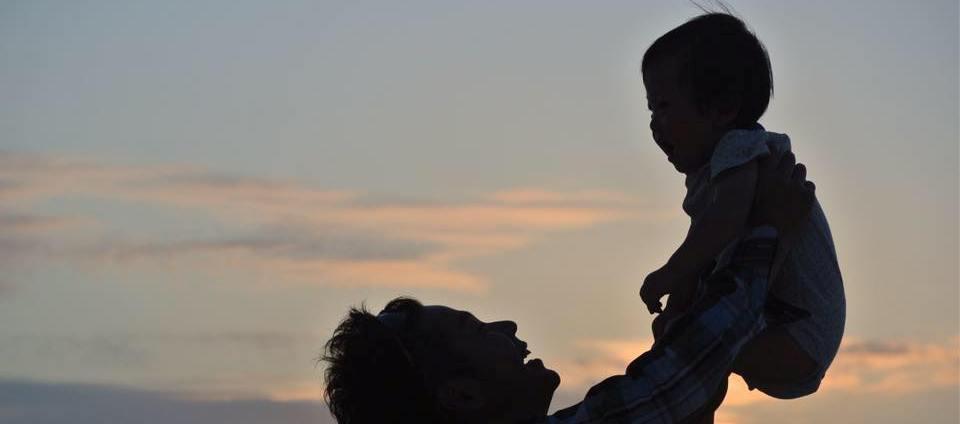 【※涙腺崩壊】息子が生後3ケ月で妻が死亡!20キロ激痩せの清水アナが辞職を決意した理由に日本中が涙・・・