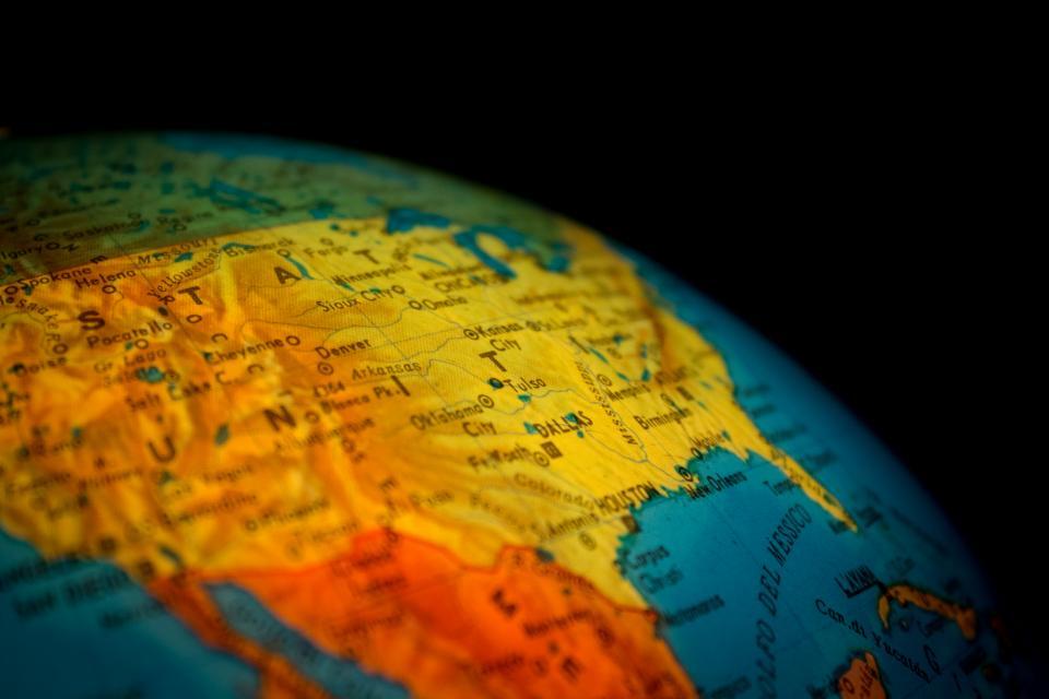 【※驚愕】100年前に日本人が描いた世界地図が凄すぎる・・・!!世界中で話題に!!