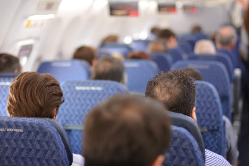 【※驚愕】飛行機の中で「お客様の中でお医者様はいらっしゃいますか?」を6割の医師が無視することが判明!!その理由とは・・・?