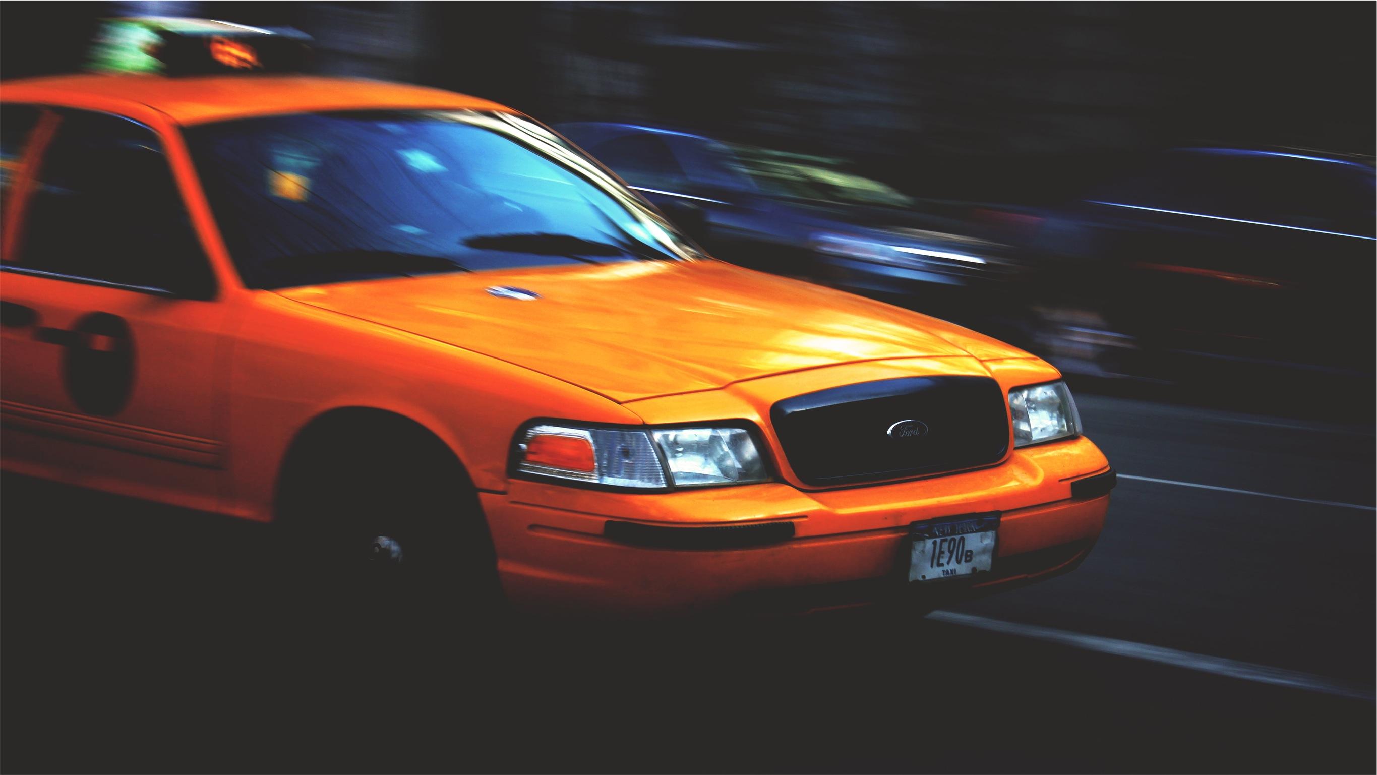 【必殺仕事人!】タクシー運転手「間に合わせるのが私の役目!」惚れてしまうプロたちの言動