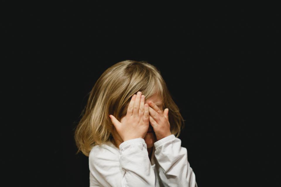【※必見】「絶対に許せない」親戚の叔父から性的暴行を受けていた少女。成人した彼女が行った復讐とは・・。