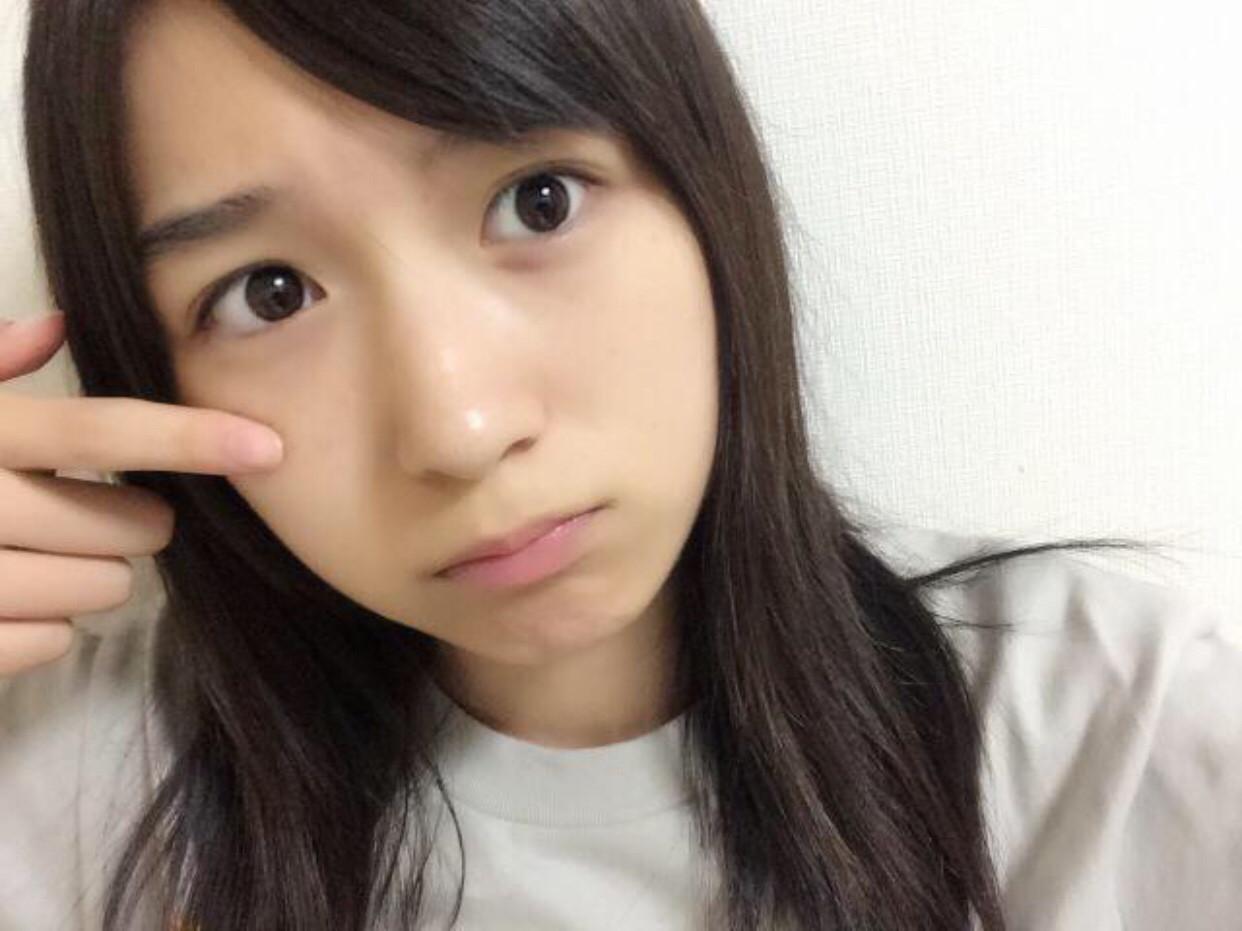 【悲報】AKB大島涼花さん、SNS裏垢で100万円費やしたファンを「きもおおおお」→ファンが握手会で発狂し問いただす