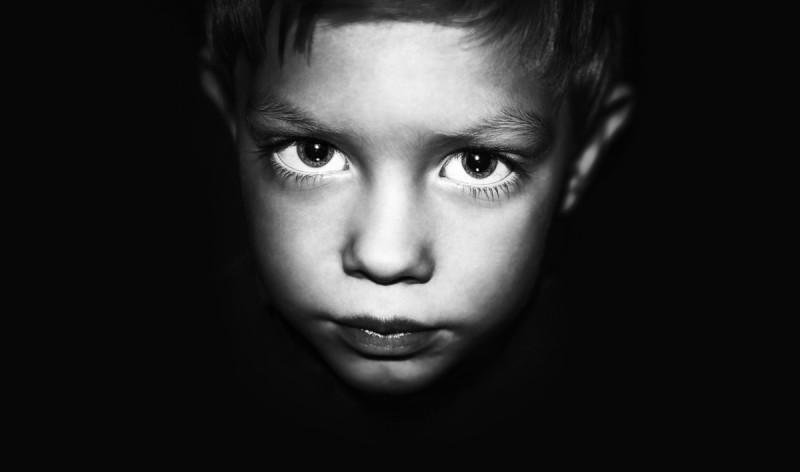 愛された経験のない幼い男の子が語る、悲しい物語