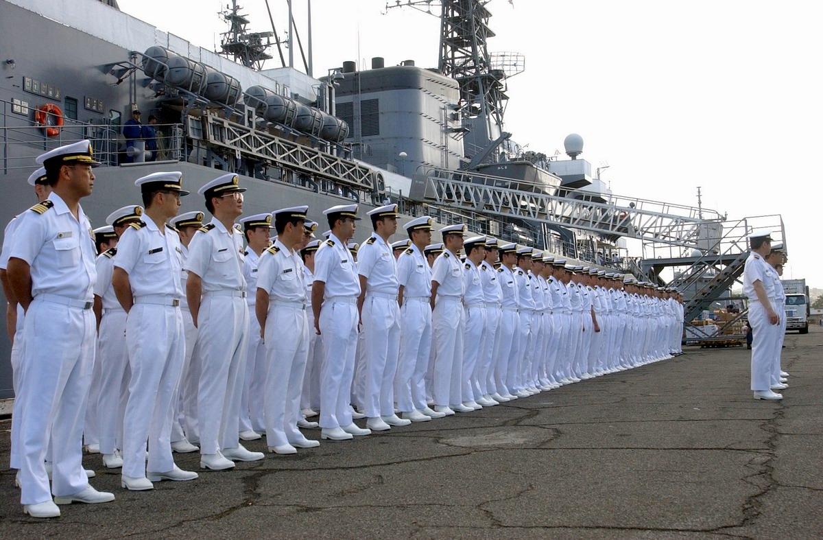 【驚愕】「まるで忍者だ…!」海上自衛隊を見下していたアメリカ海軍がその考えを改めざるを得なくなる…世界中が感動した「あること」とは?