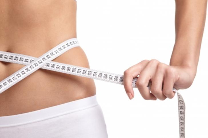 思うように体重が減らない…痩せられない原因は○○にあった!あの有名人も実証済みのダイエットが成功する最もラクでキレイに痩せる方法とは?