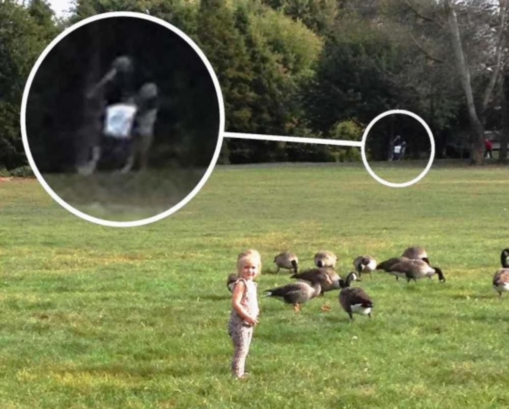 【衝撃】不穏すぎて異口同音!子供の遊び場で撮影された恐ろしい写真TOP10
