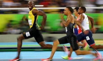 【驚愕】100m歴代記録を見るとある選手を除くだけでこんなことになっていた!