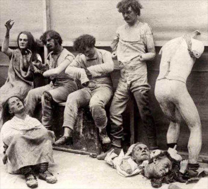 衝撃】意味不明で不気味‥1900年代の怖い画像TOP12 | ページ 2 / 6 ...