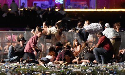 【衝撃】ラスベガス銃乱射事件の容疑者はでっち上げ!?本当の銃撃犯らはアンティファのメンバーだった!?バラク・オバマも関与!?
