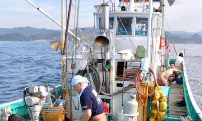 性欲処理だけでは済まされない!マグロ漁船に同行するマグロ女の実態が明らかに!