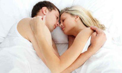 眠る姿勢でカップルの愛情度がわかる!?あなたはどのタイプ??