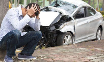 交通事故で下半身を切断されてしまった男性。その男性に対して救急隊員が行なった最期の行動が話題に!