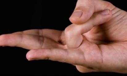 【衝撃】手をこの形にすると、起こる効果がハンパない!?手に隠された謎TOP6