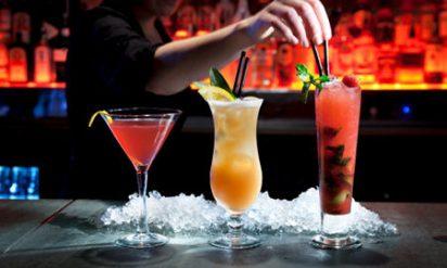 【警告】女子に聞いた「居酒屋で男子が頼むとドン引きする酒」ランキング!