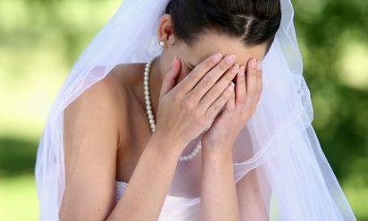 【衝撃】結婚式でお祝儀を渡さずに無線飲食した友人。キレた新郎が知った新婦の裏事情に戦慄‥!!