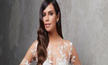 【驚愕】「裸同然」のウエディングドレス!?スペインの女優が着こなすドレスが凄すぎる!!