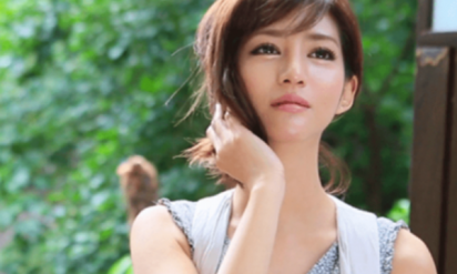 【物議】セクシー女優・麻生希の現在が悲惨すぎる!? 覚せい剤で逮捕後に拘置所で死産・病気を告白するも、 ネットの反応は‥