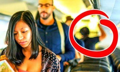 【衝撃】飛行機は後方が安全?客室乗務員だけが知っている秘密8選