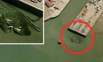 【衝撃】あんな恥ずかしい姿も!?Googleマップ・ストリートビューに映った奇妙な画像8選