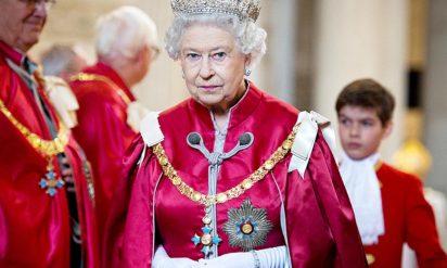 【イギリス王室においてあってはならない出来事が発生】料理の中にナメクジを発見したエリザベス女王がシェフに送った「ひと言メモ」に戦慄