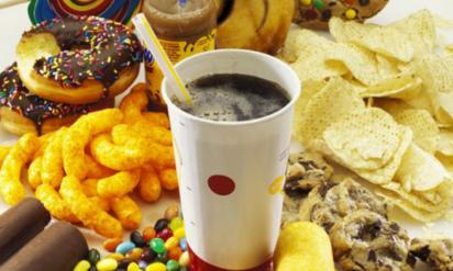 【衝撃】タバコよりも体に悪い6つの食品!みんな食べてるけど、喫煙者より普通にやばい….
