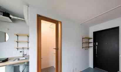 東京都内6万円のありえない物件!常識破りの部屋だと海外の笑いものに…
